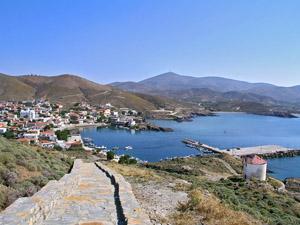 Παραθαλάσσιο και γραφικό το χωριό στα Ψαρά του Νομού Χίου